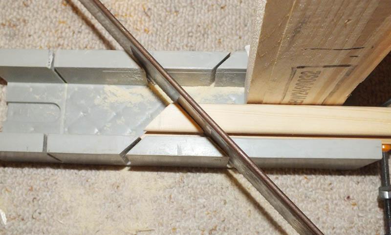 Holzleiste für Rahmen Sägen